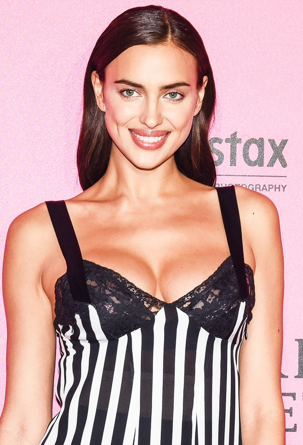 Pregnant Irina Shayk Takes Driving Lessons Pictures Us