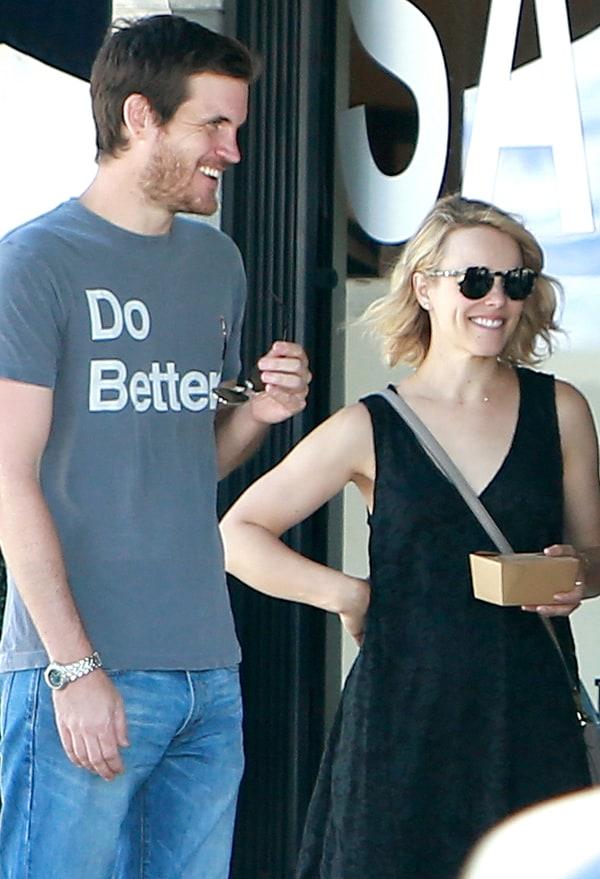 Rachel McAdams, Boyfriend Go On Cute Shopping Date - Us Weekly