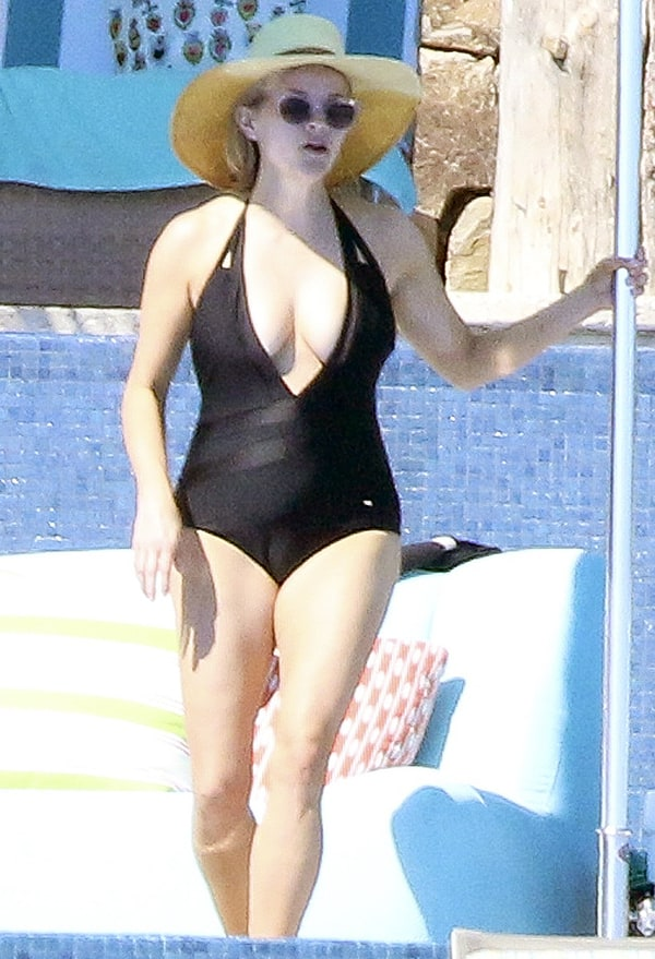 oval bikini wallpaper - photo #42