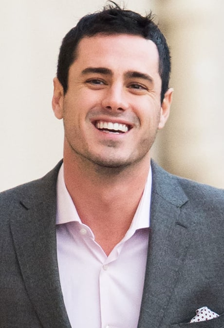 Bachelor Ben Higgins Steals Hearts, Hands Out Roses in Valentine's Day Visit to Children's Hospital Los Angeles