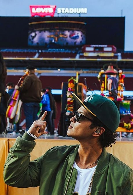 Bruno Mars Announces He's Performing During Super Bowl 50