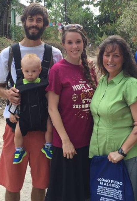 Jill Duggar and Derick Dillard Get a Visit From Jim Bob and Michelle Duggar: Photos