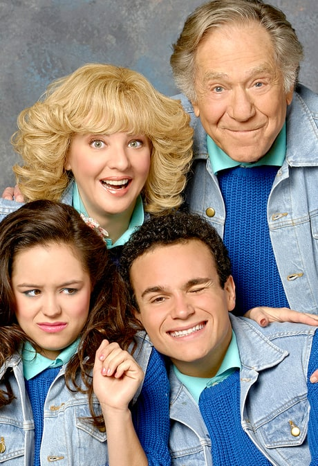 'The Goldbergs' Behind-the-Scenes Set Tour Reveals Fire Damage, Embarrassing Cast Photos