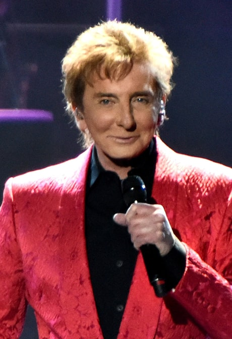 Barry Manilow Rushed to Hospital With Oral Surgery Complications
