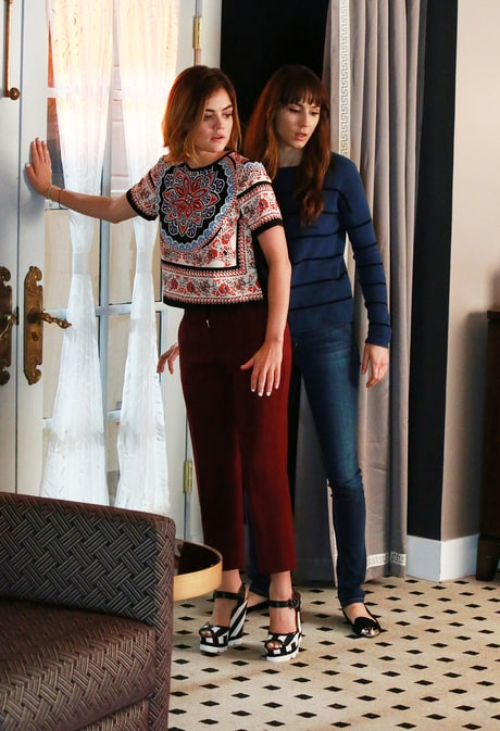 'Pretty Little Liars' Fashion Breakdown: All the Details on Aria's Printed Top and Maroon Pants