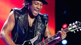 D'Angelo Woos Stadium Crowd At Essence Fest