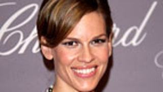 Us Wrap: Hilary Swank Walks Naked in Front of Boyfriend's Son
