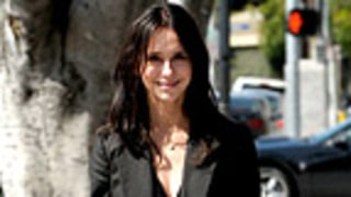 Jennifer Love Hewitt Debuts Another New Hairdo