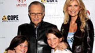 Lawyer: Larry King, Wife Halt Divorce Proceedings For 2 Weeks