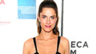 PIC: Amanda Peet Hits Red Carpet 8 Days After Giving Birth!