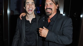 Justin Long and John Brolin