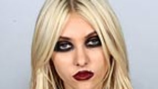 Taylor Momsen Blames Parents for