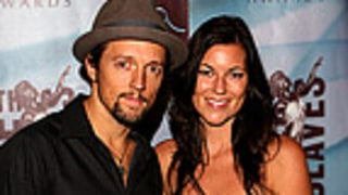 Singer Jason Mraz Is Engaged!