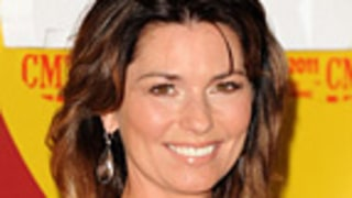 Ack! Shania Twain Takes Nasty Fall on CMTs
