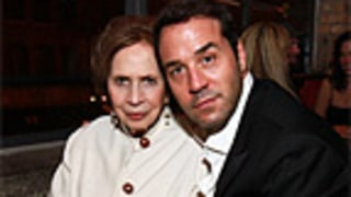 Jeremy Piven Takes Out His Mom, Chris Noth Goes Green