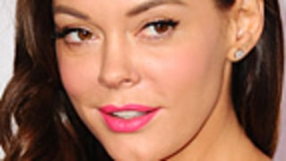 Beauty Crush: Rose McGowan's Bold Pink Blush