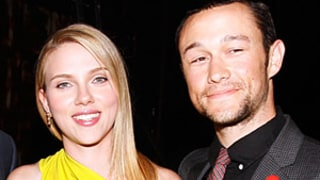 Scarlett Johansson, Joseph Gordon-Levitt Make Out in NYC!