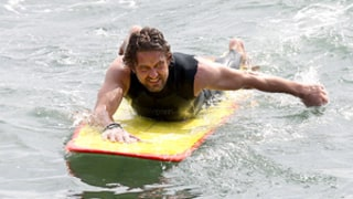 Gerard Butler Hospitalized for Surfing Injury