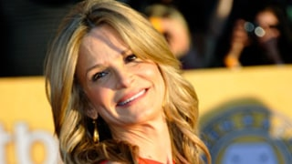 Kyra Sedgwick Reveals New Tattoo, Wears Sexy Red Dress at SAG Awards