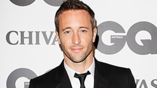 Hawaii 5-0's Alex O'Loughlin Enters Treatment for Prescription Drug Issue
