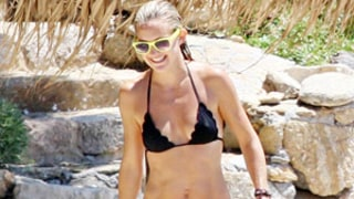 Kate Hudson Reveals Sexy Bikini Body in Greece!