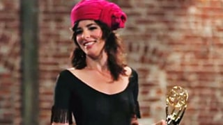 LOL! Parker Posey Teaches How to Give an Emmy Acceptance Speech