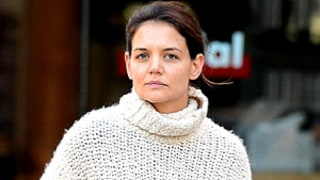 PIC: Katie Holmes Bumps Into Ethan Hawke, Rides Subway in NYC!