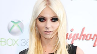 Taylor Momsen Appears Full-Frontal Nude in