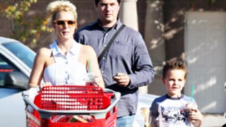 PICTURE: Britney Spears Shops at Target With Sons, Sister Jamie Lynn