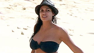 Rosario Dawson Shows Off Curvy Bikini Body in Barbados