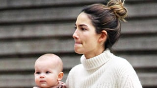 Lily Aldridge Steps Out Without Makeup, Holds Daughter Dixie Pearl: Picture