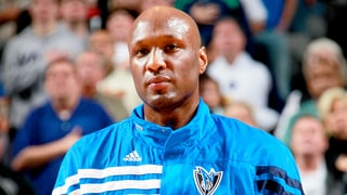 Lamar Odom Drunk, Vomiting and Removed From Flight: Report