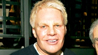 Abercrombie And Fitch CEO Mike Jeffries Apologizes For