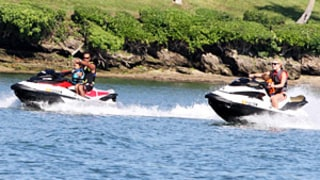 Tiger Woods, Lindsey Vonn Jet Ski With His Kids for Memorial Day Weekend: Pictures