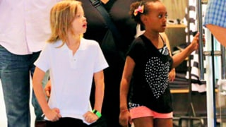 Brad Pitt, Angelina Jolie's Daughters Shiloh and Zahara Go Shopping in NYC: Picture