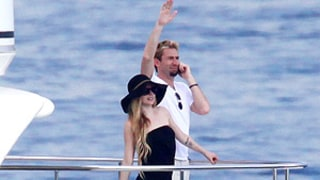 Avril Lavigne, Chad Kroeger Go Boating, Enjoy Romantic Meal During Honeymoon in Italy