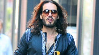 Russell Brand Announces Return to Singledom By Making Out With a Bunch of Women
