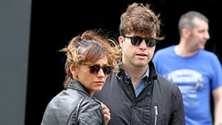 Rashida Jones Steps Out With Boyfriend Colin Jost, Fellow Harvard Alum: Picture