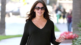 Jennifer Love Hewitt Shows Off Major Baby Bump In Loose Top: Picture