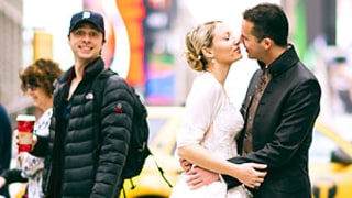 Zach Braff Photobombs Couple's Wedding Photo In NYC's Times Square: Picture