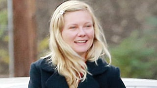 Kirsten Dunst Goes Without Makeup on Shopping Trip With Her Mom: Picture