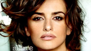 Penelope Cruz: Breastfeeding