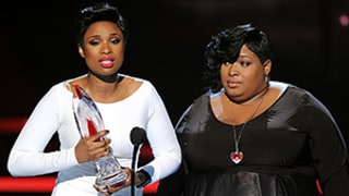 Jennifer Hudson Breaks Down In Tears Accepting Humanitarian Award For Charity Established After Family Tragedy