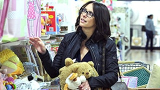 Jennifer Love Hewitt Shows Off Post-Baby Body, Buys Toys For Baby Girl Autumn: Picture