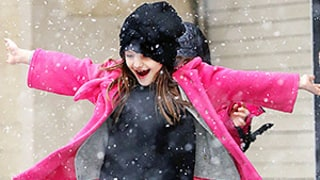 Suri Cruise Twirls and Dances In NYC Blizzard: Picture