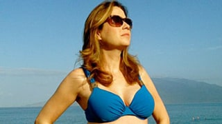 Jenna Fischer Shows Off Bare Baby Bump on 40th Birthday