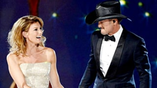 Tim McGraw and Faith Hill Duet at ACM Awards, Sing