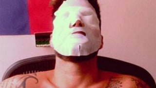Ricky Martin Gets Red Carpet Ready With Bizarre Face Mask Beauty Treatment