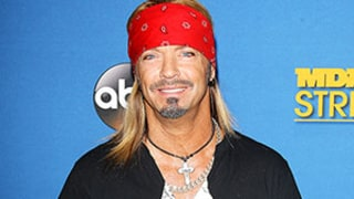 Bret Michaels Rushes Off Stage Mid-Concert For Medical Emergency