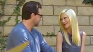Dean McDermott Sings to Tori Spelling on True Tori Reunion: Watch Now!